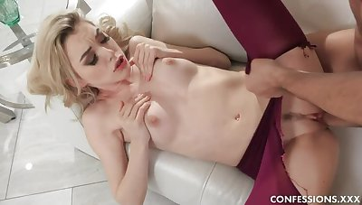 Anny Loves Shagging In Pantyhose