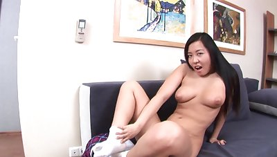 Simply hottie Yung drops her undershorts increased by penetrates her asshole