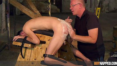 Twink pleases grandpa with full obedience in maledom XXX