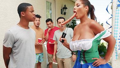 Hardest Oktoberfest group sex be advantageous to drunk wife