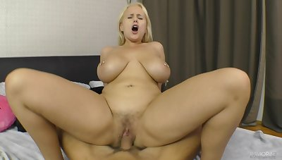 Dominate tow-haired amateur rides dick in flawless modes