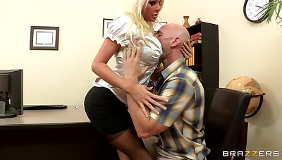 Sex on the office take meals regarding blonde boss Holly Price in the matter of stockings