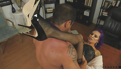 Hot boss shows her appreciation for her employee's work and fucks him good