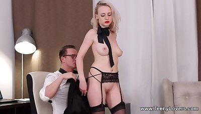 Obedient blonde works magic with the man's penis