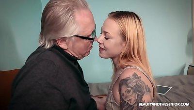 Older alms-man with a stiff dick fucks tattooed cutie Chrystal Sinn