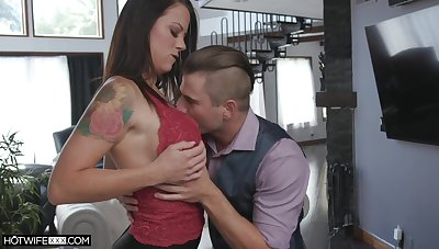 Amazing Audrey Miles sucking before she jumps on a hard pecker